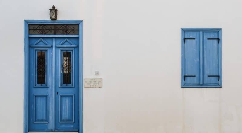 Drzwi wejściowe - miejsce montażu samozamykacza